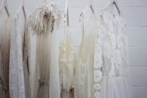 Vestidos blancos después de lavar
